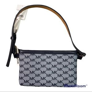 Michael kors navy signature leather Fanny pack nwt